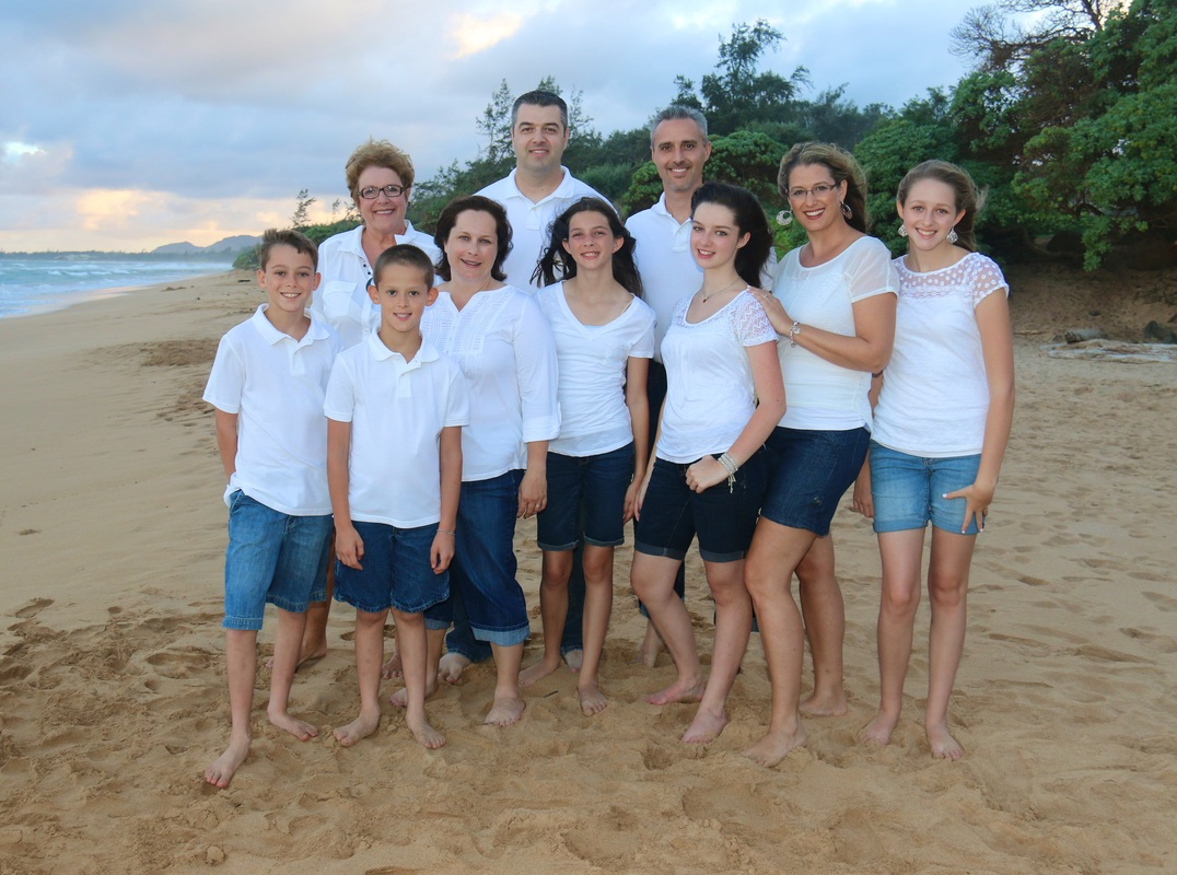 kauai family photos: what to wear, hair and makeup - kauai family